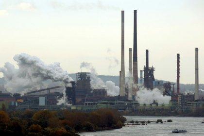 Zona euro, produzione industriale cresce oltre attese