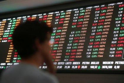 Ibovespa cai 0,65%; vencimento de opções de índice leva giro a R$35 bi