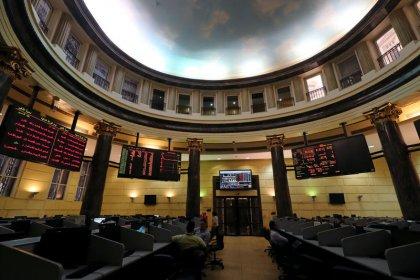 القطاع المالي يرفع بورصتي الإمارات ونتائج مخيبة تضغط على مصر