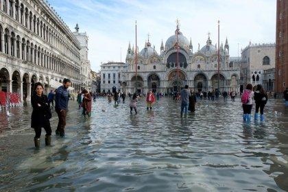 مدينة البندقية الإيطالية تواجه يوم الأحد موجة مد استثنائية أخرى