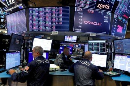 الأسهم الأمريكية تفتح على مرتفعات قياسية مع استمرار تفاؤل التجارة