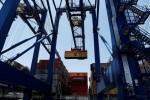 Déficit comercial dos EUA toca mínima em 1 ano e meio e pedidos de auxílio-desemprego recuam