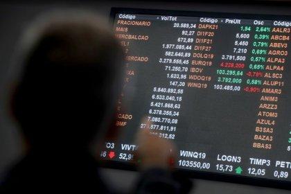 Ibovespa sobe com Fed sem surpresas e educação em destaque; XP dispara 27% na Nasdaq