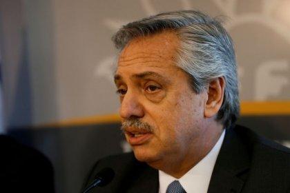 حكومة الأرجنتين الجديدة ترفع الضرائب على الصادرات