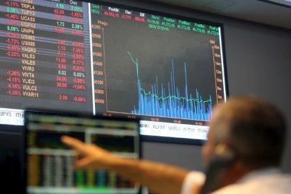 Ibovespa ensaia quebrar série de quedas com exterior benigno e recuperação de bancos