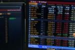 Ibovespa avança com IBC-Br, exterior; bancos privados sobem