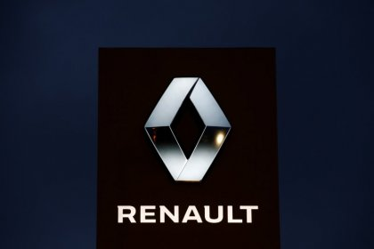 Renault renoue avec la croissance en fin d'année, prudence pour 2020
