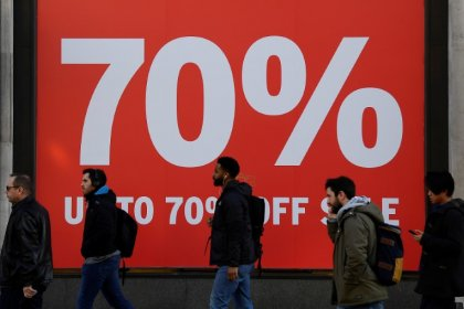 UK consumers cut back on spending again, adding to economic gloom
