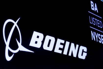 Fitch abaisse la note de crédit de Boeing en raison du 737 MAX