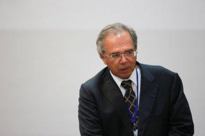 Imposto sobre transações estudado pelo governo abarcaria pagamento em dinheiro, diz Guedes
