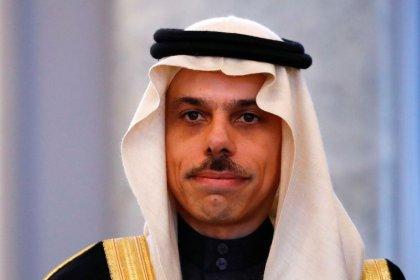 """وزير سعودي: مزاعم اختراق ولي العهد هاتف بيزوس """"منافية للعقل"""""""
