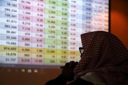 أسهم البنوك تهبط بمعظم أسواق الخليج لكن أبوظبي الأول يرفع البورصة