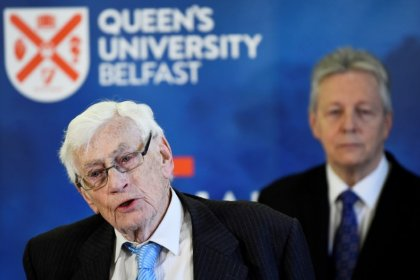 Good Friday Agreement architect Seamus Mallon dead at 83, his party says