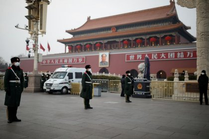 China registra la primera muerte por virus en Pekín y supera los 100 muertos