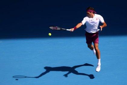 Federer salva siete puntos de partido de Sandgren para alcanzar semifinales en Australia