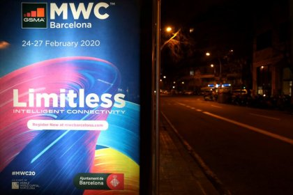 Organisers of cancelled mobile conference play down compensation chances