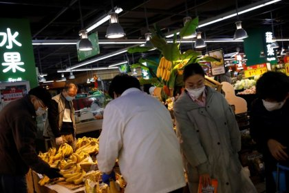 China reports large drop in new coronavirus cases in province at heart of outbreak