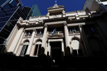 """Argentina, debito """"insostenibile"""", timori di default - Fmi"""