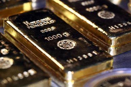 الذهب يرتفع متجها لأفضل أداء أسبوعي في أكثر من شهر مع انتشار سريع لكورونا