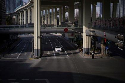 Cina, vendite auto prima metà febbraio crollano del 92% su coronavirus