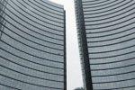 Euro zone banks heed ECB dividend warning, Swiss ignore regulators