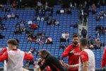 أتليتيكو مدريد يخفض رواتب لاعبيه لحماية بقية العاملين في النادي الإسباني
