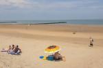 بلجيكا تستخدم خاصية تتبع الهواتف المحمولة للحد من الزحام على الشواطئ