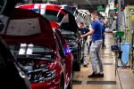 Sortie de crise pour l'Europe et l'Asie, la contraction de l'activité manufacturière ralentit