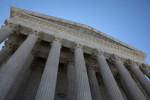 المحكمة العليا الأمريكية ترفض نظر طلب عراقيين منع الترحيل لبلادهم