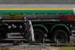 Ainda fracas, vendas de combustíveis no país em maio têm melhora ante abril, diz ANP