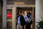Nasdaq возглавил рост Уолл-стрит, обновив рекордный уровень закрытия четвертый раз за месяц