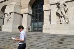 Borsa Milano in rialzo con Wall Street e dati Pmi, bene Fca, giù Mediobanca e Mps