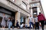 UK retail sales surge past pre-COVID peak in July