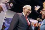 Buffett looks to Japan with 5% stakes in five biggest trading firms