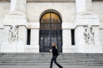 Borsa Milano in deciso ribasso, vendute Nexi, Tiscali, Stm, bene Pirelli, Mediaset