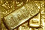 الذهب يرتفع مع ضعف الدولار والانظار على مناظرة بين ترامب وبايدن