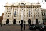 Borsa Milano tonica con banche, in luce Banco Bpm e Stm