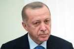 Macron a besoin de se faire soigner, dit Erdogan