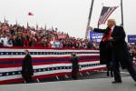 Trump y Biden buscan votantes en el crucial estado de Pensilvania
