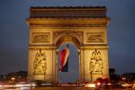 Evacuan por alerta de seguridad el Arco del Triunfo y la Torre Eiffel
