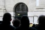 Borsa Milano avvio positivo, ma volatile, realizzi su Snam, giu' Mps, tiene oil