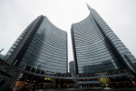 Shares in UniCredit down 4.5% hit by concerns over CEO's future
