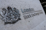 FTSE 100 jumps as pound falls on doubts over Brexit trade deal