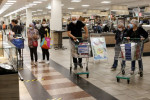 Euro zone consumer confidence rises to -13.9 in December