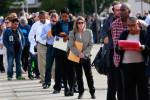 Pedidos semanais de auxílio-desemprego nos EUA sobem inesperadamente