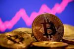 Deutsche Boerse says won't de-list Coinbase shares