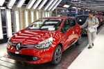 Arms, cars boost French exports, domestic output falls