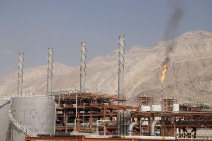 Iran sees oil output rising to pre-sanctions level by June
