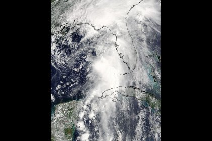 Tropical Storm Colin gains speed, barrels toward Florida