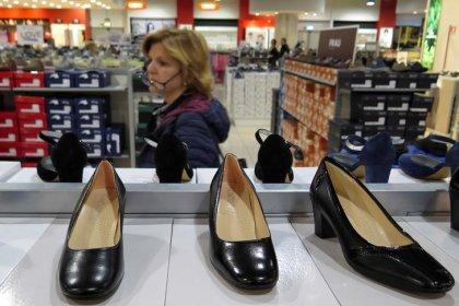 Italia, Istat: vendite dettaglio aprile +0,1% su mese, -0,5% su anno